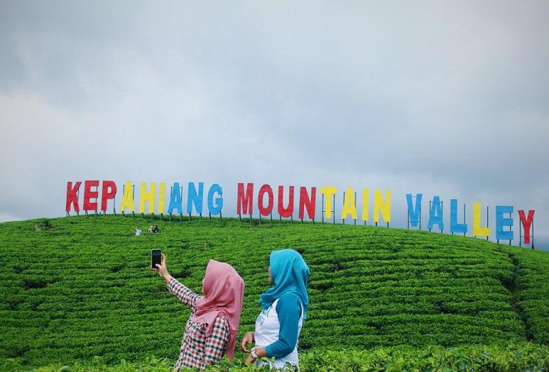 https: img-z.okeinfo.net content 2019 05 09 406 2053551 kepahiang-mountain-valley-destinasi-wisata-hits-di-bengkulu-kPG85ItaRQ.jpg