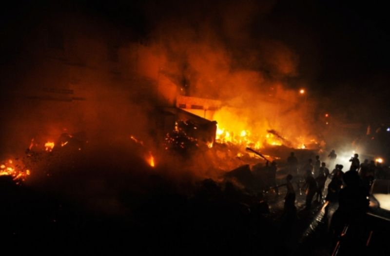 https: img-z.okeinfo.net content 2019 05 11 338 2054517 kampung-bandan-terbakar-3-500-jiwa-kehilangan-tempat-tinggal-kzmijd1xHi.jpg