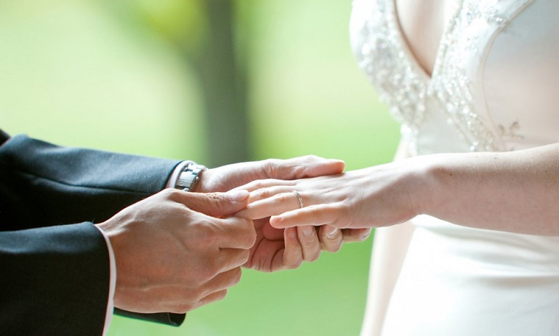 https: img-z.okeinfo.net content 2019 05 12 194 2054547 ingin-punya-istri-cantik-menikahlah-dengan-wanita-dari-6-daerah-ini-ayNp5QG01q.jpg