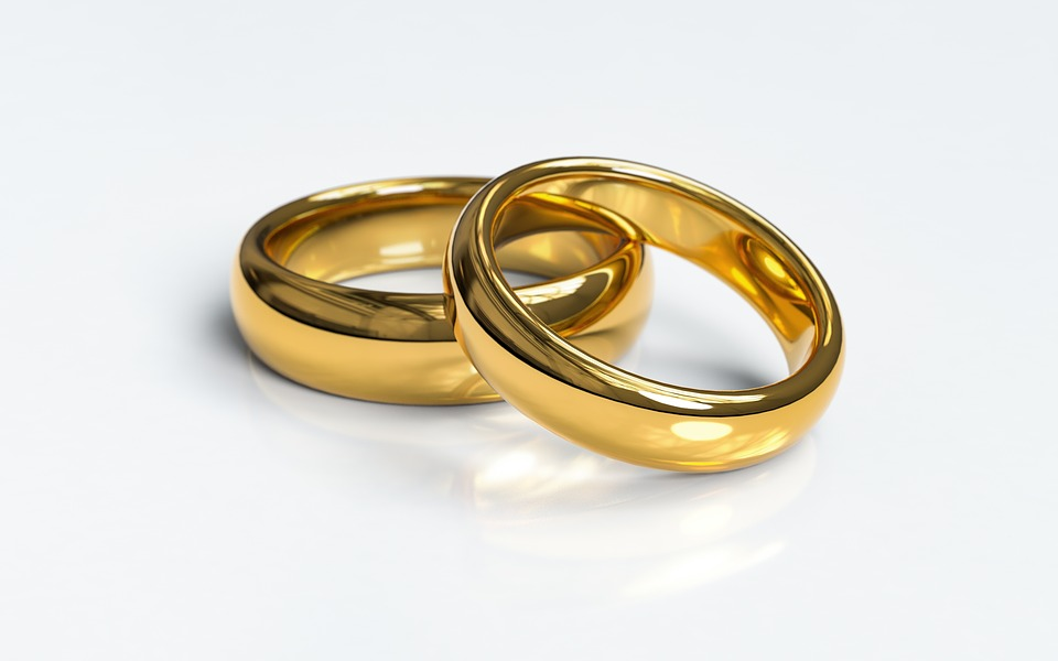 https: img-z.okeinfo.net content 2019 05 12 196 2054724 kisah-kebahagiaan-koh-acan-yang-berhasil-satukan-perbedaan-dengan-sang-istri-NOr1oawkDh.jpg