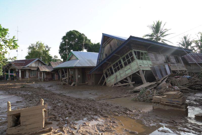 https: img-z.okeinfo.net content 2019 05 14 340 2055315 bencana-30-tahun-itu-kembali-menyapu-ratusan-rumah-di-bengkulu-cC4oqPiehD.jpg
