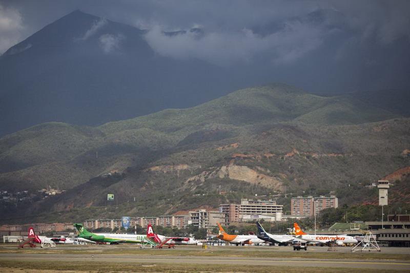 https: img-z.okeinfo.net content 2019 05 16 18 2056367 as-perintahkan-penghentian-penerbangan-antara-as-dan-venezuela-6mZPkfmN07.jpg