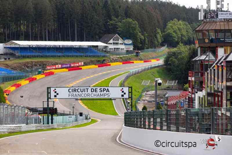 https: img-z.okeinfo.net content 2019 05 17 38 2057178 valentino-rossi-tertantang-mengaspal-di-sirkuit-spa-francorchamps-A8H4X1bBty.jpg