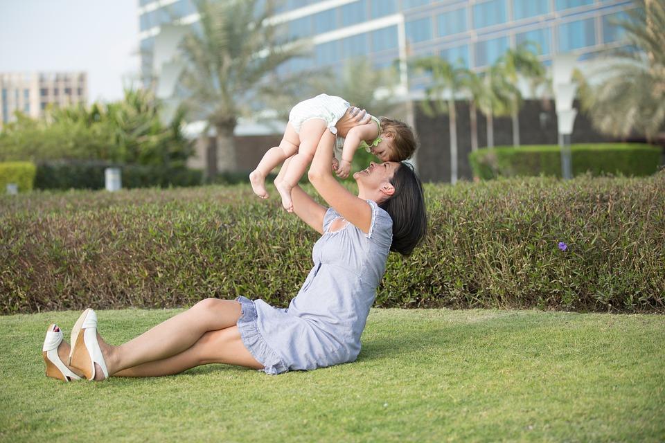 https: img-z.okeinfo.net content 2019 05 19 196 2057614 tradisi-kwepang-adopsi-anak-yang-bisa-datangkan-rezeki-Rj0rGqZYhe.jpg
