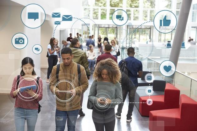 BERITA TEKNOLOGI - 2018, Pengguna Internet Indonesia Paling Banyak di Usia 15-19 Tahun