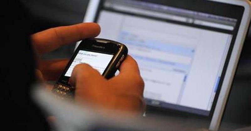 https: img-z.okeinfo.net content 2019 05 21 57 2058548 pilih-smartphone-atau-laptop-cek-gadget-yang-cocok-untuk-anda-dengan-kuis-ini-Uh0Q46ErTP.jpg