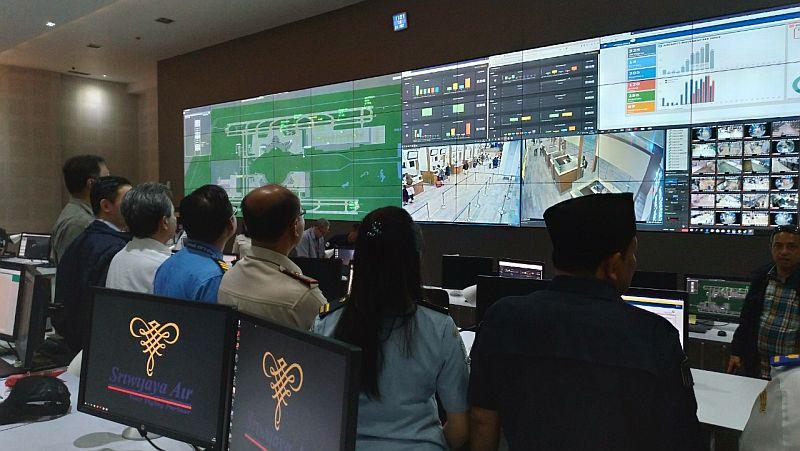 https: img-z.okeinfo.net content 2019 05 22 320 2058846 gedung-pusat-kendali-operasi-jadi-posko-angkutan-lebaran-bandara-soetta-s9dXsbyQbn.jpg
