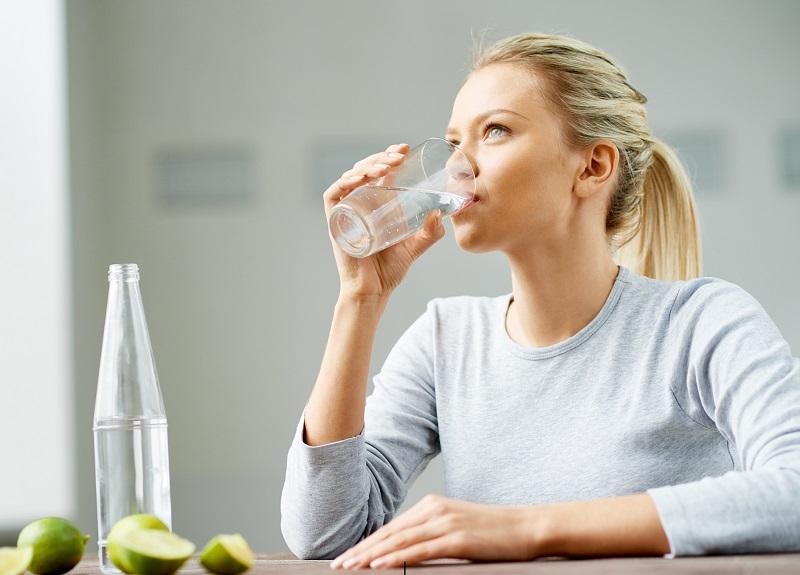 https: img-z.okeinfo.net content 2019 05 22 481 2058746 antioksidan-dalam-air-hidrogen-dapat-membantu-mencegah-penuaan-dini-Lzzx08vQfC.jpg