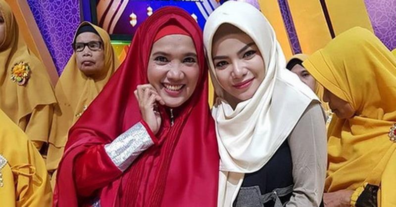 https: img-z.okeinfo.net content 2019 05 23 33 2059626 dinar-candy-mau-selamanya-pakai-hijab-asal-SIjGEWNXUV.jpg