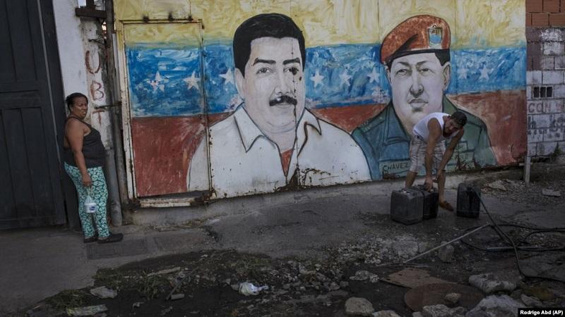 https: img-z.okeinfo.net content 2019 05 24 18 2059768 perekonomian-venezuela-runtuh-warga-kembali-ke-sistem-barter-yTMbrQYV3X.jpg