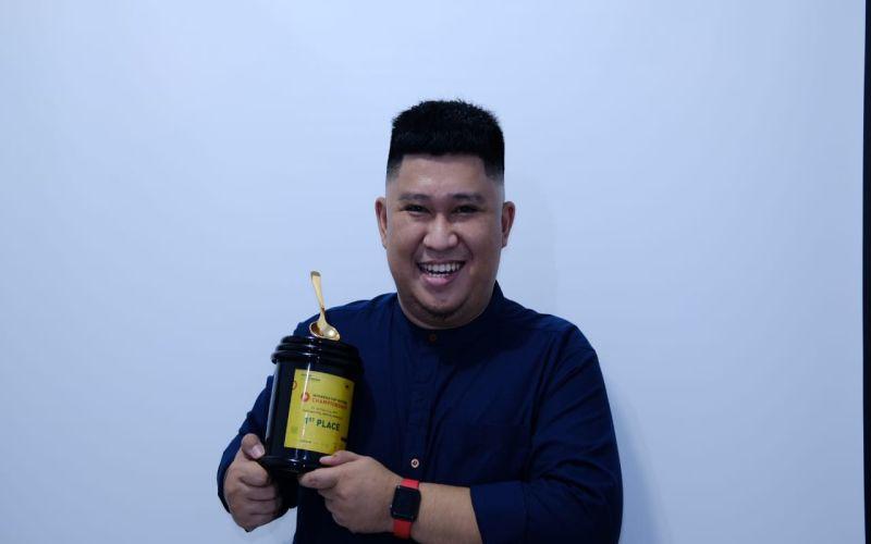 https: img-z.okeinfo.net content 2019 05 25 298 2060310 barista-asal-makassar-wakili-indonesia-di-kejuaraan-dunia-wpZOQPAnWs.jpg
