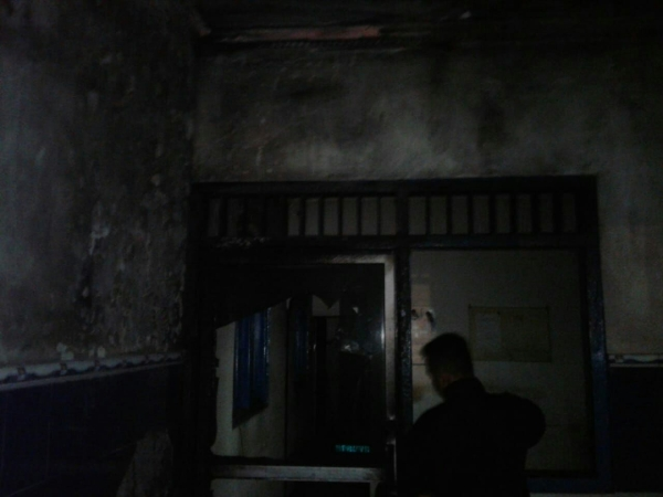 https: img-z.okeinfo.net content 2019 05 25 512 2060292 pos-polisi-pakis-klaten-terbakar-saksi-lihat-ada-orang-melempar-jeriken-MN7Jffx8P4.jpg