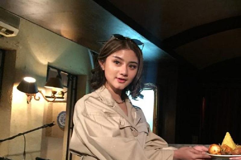 https: img-z.okeinfo.net content 2019 05 26 205 2060512 diundang-kesultanan-brunei-pengalaman-tak-terlupakan-ghea-youbi-ycJZ9l6mPQ.jpeg