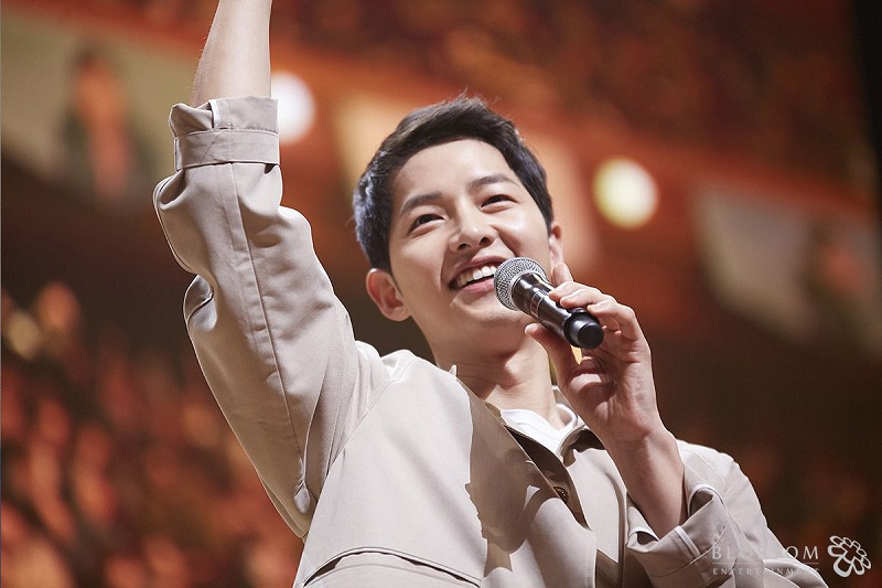 https: img-z.okeinfo.net content 2019 05 27 206 2060988 dapat-suntikan-dana-film-baru-song-joong-ki-mulai-syuting-juli-2019-vH2C90mmIp.jpg