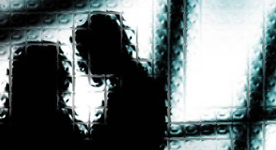 https: img-z.okeinfo.net content 2019 05 27 510 2060712 istri-dikencani-pria-lain-suami-ngamuk-sambil-acungkan-golok-Kb4iFnt5kJ.jpg