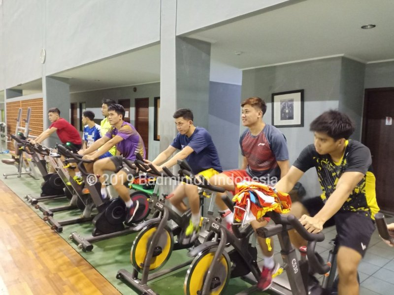 https: img-z.okeinfo.net content 2019 05 28 40 2061480 usai-piala-sudirman-2019-para-atlet-indonesia-langsung-latihan-di-pelatnas-pbsi-mfumnqohEe.jpg