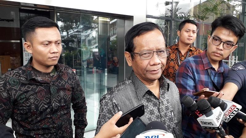 https: img-z.okeinfo.net content 2019 06 01 337 2062816 mahfud-md-referendum-sudah-tak-dikenal-dalam-konstitusi-indonesia-XsKD2FLben.jpg