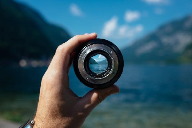 https: img-z.okeinfo.net content 2019 06 05 92 2063888 4-cara-merawat-lensa-kamera-anda-4DS8ns1uvE.jpg