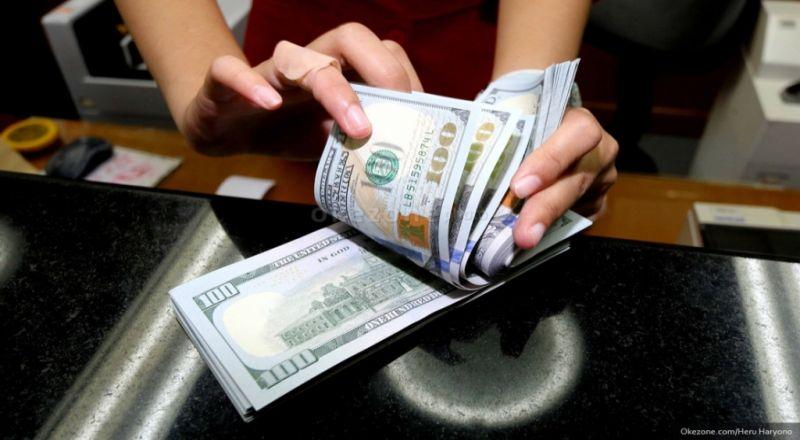 https: img-z.okeinfo.net content 2019 06 07 278 2064239 dolar-as-jatuh-usai-bank-sentral-eropa-tahan-suku-bunga-acuannya-rU4VAsJX83.jpg