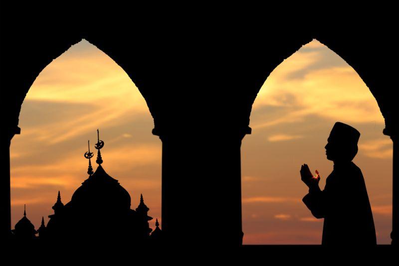 https: img-z.okeinfo.net content 2019 06 07 614 2064258 pesantren-unik-al-fatah-terima-para-waria-yang-ingin-belajar-islam-GGE6TSRdoA.jpg