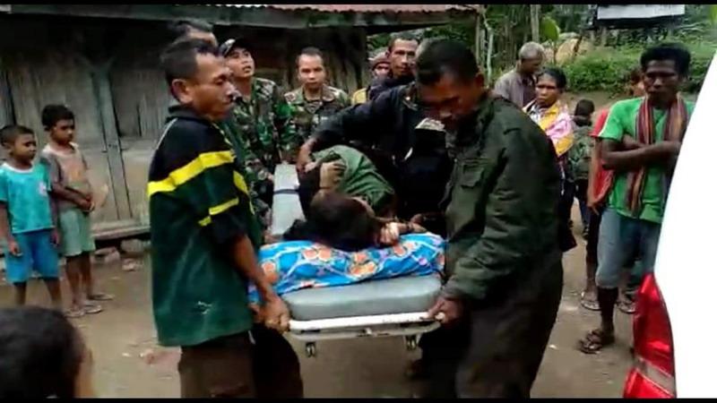 https: img-z.okeinfo.net content 2019 06 08 340 2064512 tni-langsung-sigap-tolong-warga-korban-kecelakaan-akibat-rem-blong-zFUlZhxUMD.jpg