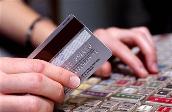 https: img-z.okeinfo.net content 2019 06 12 18 2065732 marah-karena-dipecat-perempuan-di-thailand-habiskan-rp2-7-m-dengan-kartu-kredit-perusahaan-J8Fj2voEf1.jpg