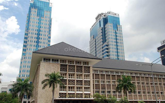 https: img-z.okeinfo.net content 2019 06 12 20 2065739 sri-mulyani-yakini-bi-akan-ubah-kebijakan-moneter-dan-bunga-acuan-tv0XXCHW5f.jpg