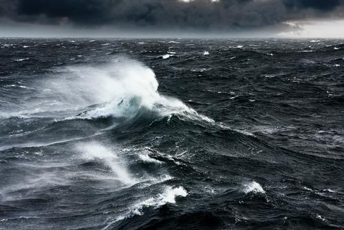 https: img-z.okeinfo.net content 2019 06 14 512 2066362 waspada-gelombang-4-meter-ancam-perairan-selatan-jateng-xdUwvKFF7N.jpg