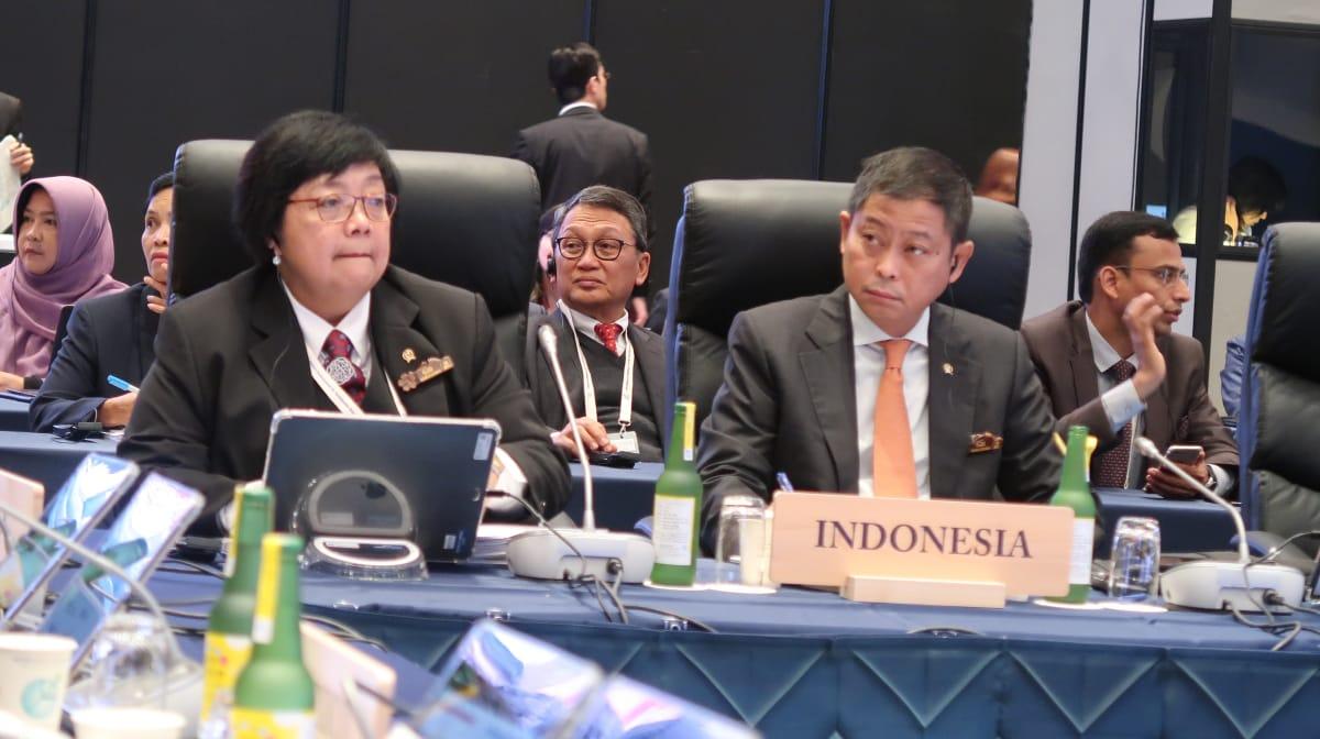 https: img-z.okeinfo.net content 2019 06 15 337 2066825 pertemuan-g20-menteri-lhk-paparkan-pembangunan-rendah-karbon-di-indonesia-4kGbITyNUG.jpg