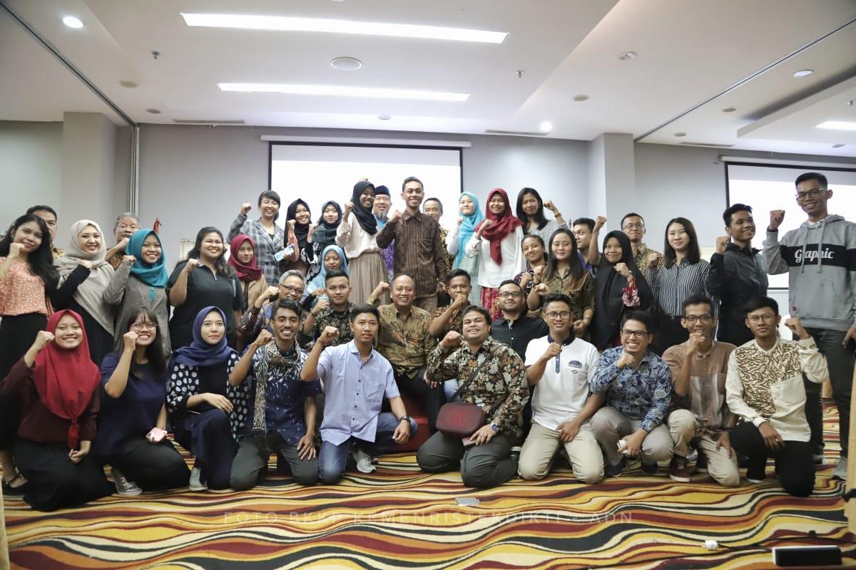 https: img-z.okeinfo.net content 2019 06 15 65 2066727 belajar-teknologi-45-mahasiswa-indonesia-dikirim-ke-china-blPG8Af3ns.jpeg