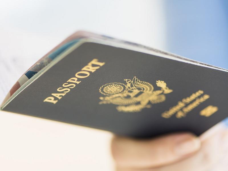 https: img-z.okeinfo.net content 2019 06 16 244 2067027 hingga-juni-2019-imigrasi-temukan-puluhan-wna-berpaspor-palsu-RumDhO1WR3.jpg