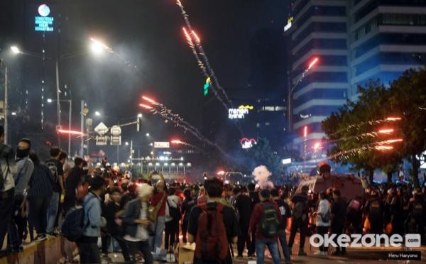 https: img-z.okeinfo.net content 2019 06 18 337 2067946 kepolisian-diminta-tindak-tegas-perusuh-dan-dalang-kerusuhan-21-22-mei-gonKwbXoMl.jpg