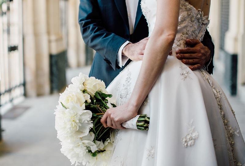 https: img-z.okeinfo.net content 2019 06 20 406 2068930 siap-menikah-akhir-tahun-ini-kunjungi-pameran-pernikahan-ini-VqWVEoUVwW.jpg