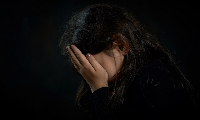 https: img-z.okeinfo.net content 2019 06 21 609 2069265 gadis-pelayan-warung-diperkosa-5-orang-setelah-kenalan-lewat-facebook-3fELWSHYGd.jpg