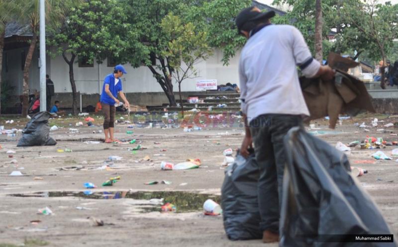 https: img-z.okeinfo.net content 2019 06 23 338 2069823 kurangi-sampah-plastik-pemprov-dki-lakukan-daur-ulang-hingga-siapkan-pergub-WMOzchUjbH.jpg