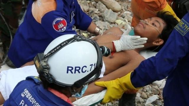 https: img-z.okeinfo.net content 2019 06 25 18 2070605 cerita-korban-selamat-tertimbun-gedung-runtuh-di-kamboja-saya-tidak-punya-harapan-hidup-SalFwvJ0C4.jpg