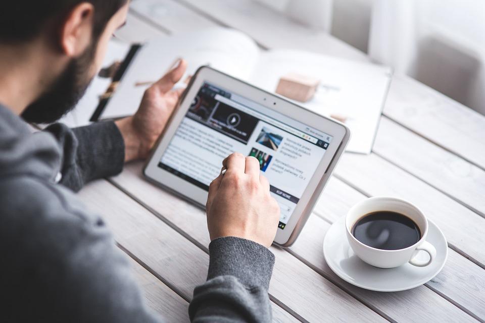 https: img-z.okeinfo.net content 2019 06 26 614 2071312 pentingnya-peran-digital-dalam-salurkan-zakat-fitrah-B72Fodffcq.jpg