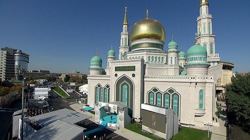 https: img-z.okeinfo.net content 2019 06 26 615 2071105 masjid-agung-moskow-cocok-dikunjungi-wisatawan-muslim-hNBCgRZT4R.jpg