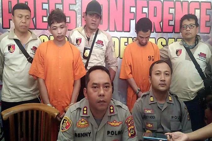 https: img-z.okeinfo.net content 2019 06 28 244 2072195 2-tahanan-polsek-kuta-selatan-yang-kabur-ditangkap-di-jakarta-DM0fdMufFV.jpg