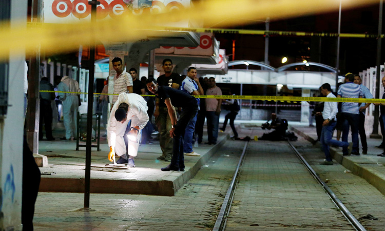 https: img-z.okeinfo.net content 2019 07 03 18 2074256 dikepung-polisi-militan-yang-buron-meledakkan-diri-di-ibu-kota-tunisia-tyP2lslSdz.jpg