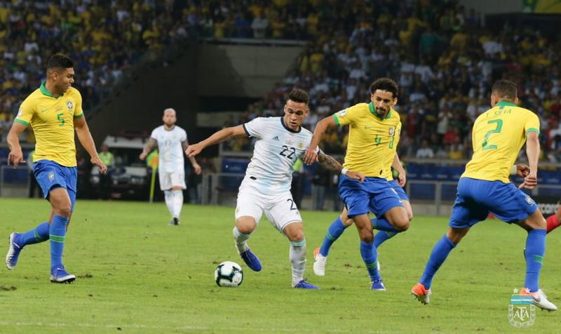 https: img-z.okeinfo.net content 2019 07 03 51 2073969 tekuk-argentina-2-0-brasil-melaju-ke-final-copa-america-2019-2nIH0ozCky.jpg