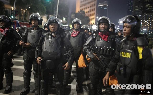 https: img-z.okeinfo.net content 2019 07 05 337 2075116 10-polisi-dijatuhi-sanksi-terkait-kericuhan-di-aksi-21-22-mei-CvA8r696kA.jpg