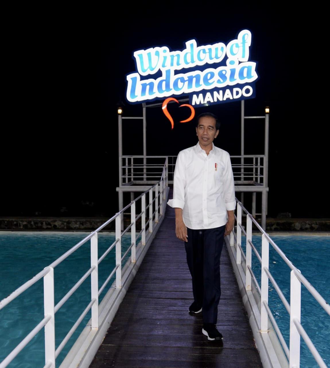 https: img-z.okeinfo.net content 2019 07 05 406 2075007 saat-presiden-jokowi-menikmati-wisata-jendela-indonesia-re6YJbIKBk.jpg