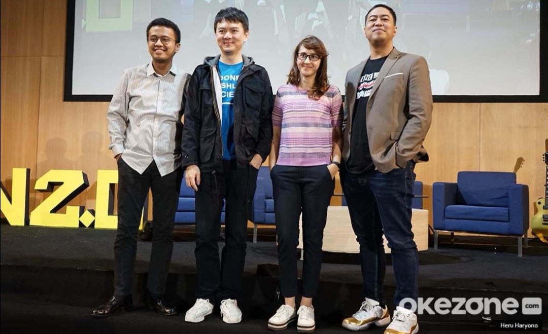https: img-z.okeinfo.net content 2019 07 06 207 2075503 the-light-indonesia-gelar-konferensi-anak-muda-4-0-bahas-teknologi-hingga-esports-so5rlfREuz.jpg