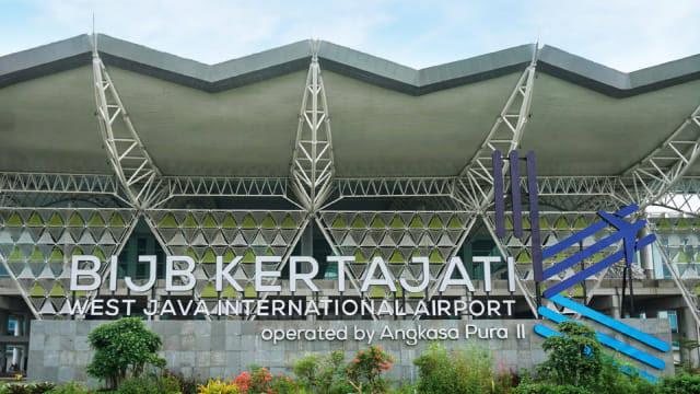 https: img-z.okeinfo.net content 2019 07 06 320 2075395 okupansi-penumpang-pesawat-bandara-kertajati-capai-70-oSUVphDS26.jpg