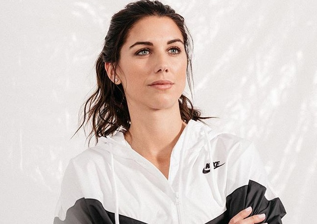 https: img-z.okeinfo.net content 2019 07 08 194 2076160 intip-5-potret-cantik-alex-morgan-peraih-silver-boot-di-piala-dunia-wanita-2019-bewH5ogsCA.jpg