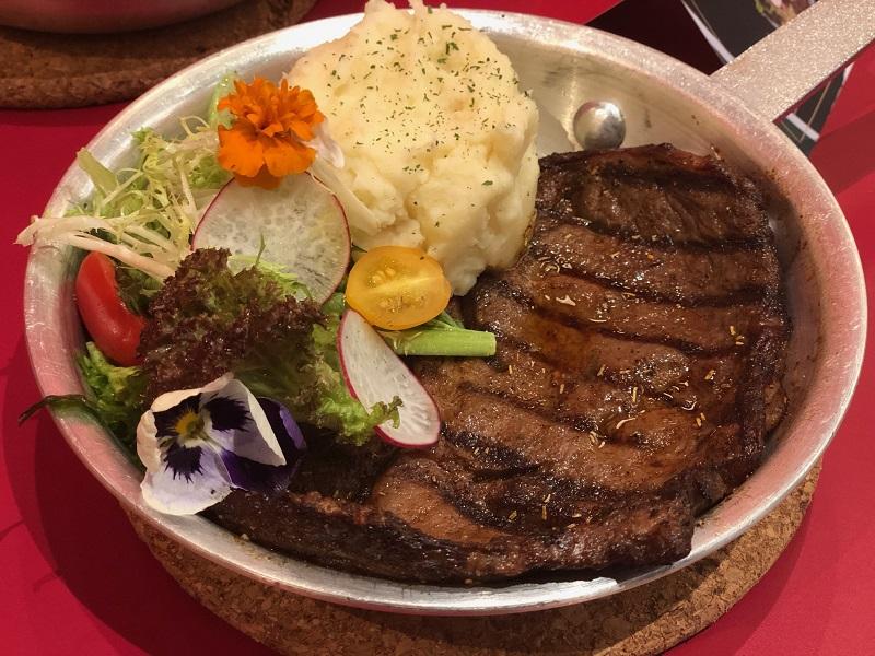 https: img-z.okeinfo.net content 2019 07 09 298 2076712 3-rahasia-bikin-steak-rumahan-selezat-restoran-mewah-YPwbLd3YHk.jpeg