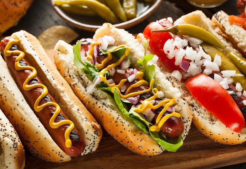 https: img-z.okeinfo.net content 2019 07 11 320 2077570 asal-usul-hot-dog-persaingan-2-toko-dalam-sejarah-makanan-amerika-bTsQzzLsqn.jpg