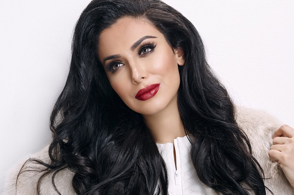 https: img-z.okeinfo.net content 2019 07 11 611 2077617 mengenalhuda-kattan-beauty-blogger-di-balik-kerajaan-kecantikan-huda-beauty-sUmyvng7dn.jpg
