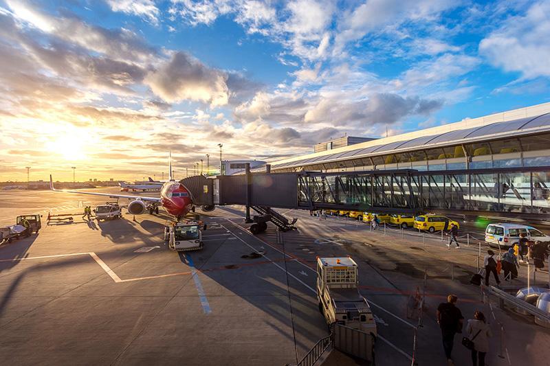 https: img-z.okeinfo.net content 2019 07 12 1 2077995 bandara-ngurah-rai-layani-2-1-juta-penumpang-di-juni-tertinggi-sepanjang-2019-nxSngd0mur.jpeg